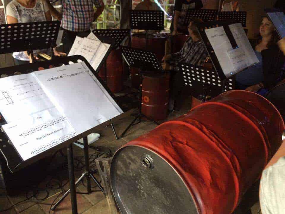 muziekworkshop olietondrummen